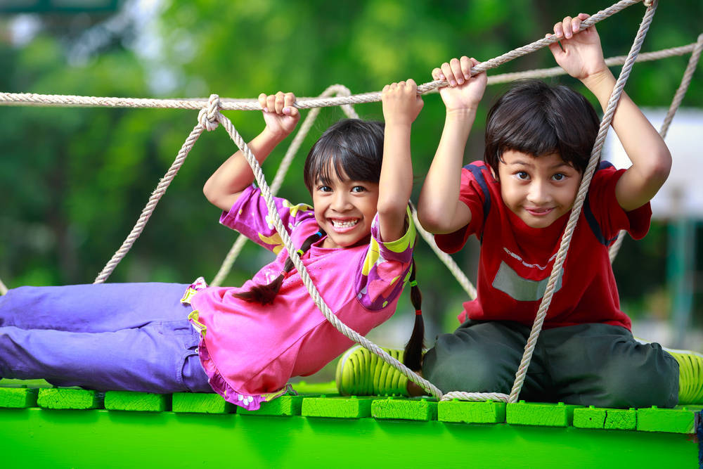 El jardín es el mejor lugar de juegos para los niños
