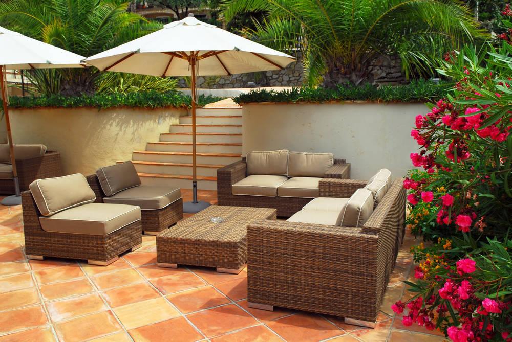 Ahora que llega el verano es hora de adaptar el mobiliario de tu casa a la moda