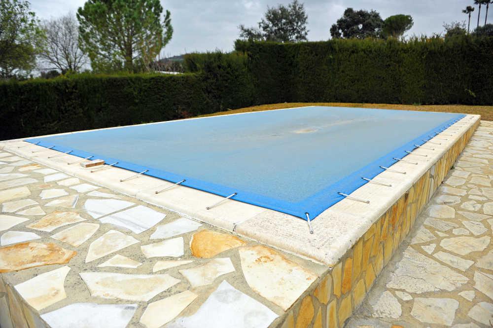 No descuides tu piscina ni tu jardín